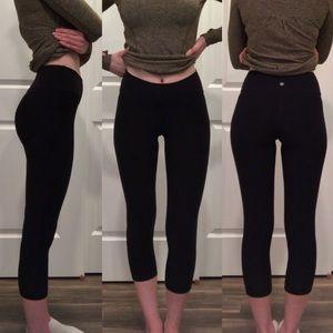 Lululemon Essential Black Cropped Leggings Size 4